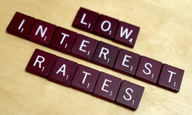 Sam Zell's low-interest rate caveat