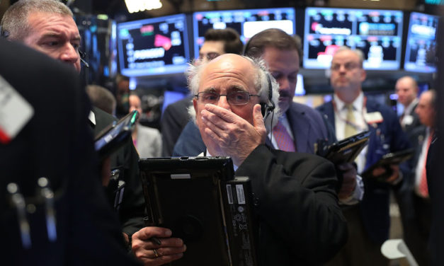 Warren Buffet forecasting a stock crash