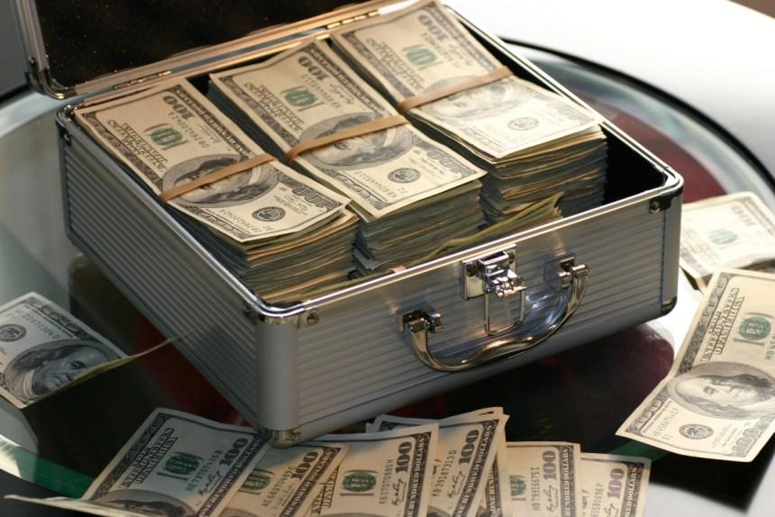 Warren Buffett is stockpiling cash